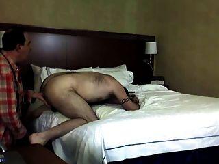 शौकिया होटल में कमबख्त भालू