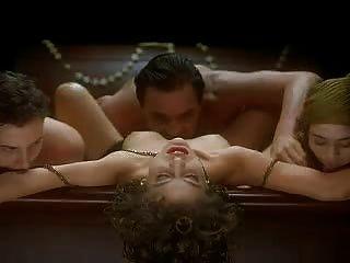 एलिसा मिलानो - पिशाच के गले लगाओ