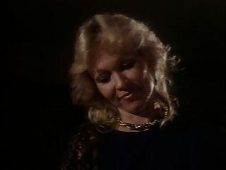 के बीच प्रेमियों (1983) 2 के भाग 1