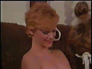 विचित्र महिलाओं (1982) लुइस shortstud साथ
