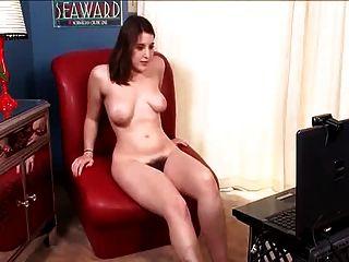 वेब कैमरा के सामने हस्तमैथुन दिखा बालों बेरिल
