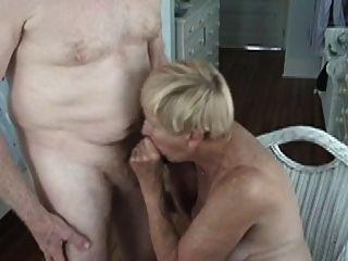 दादी 70 चूसना y.o