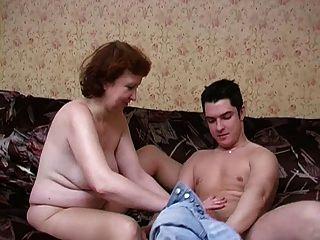 Pantyhose और उसके लड़के रूसी परिपक्व माँ!शौक़ीन व्यक्ति!