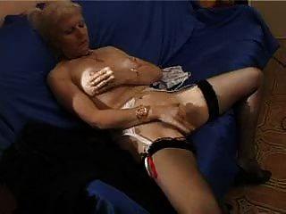 फ्रेंच मुंडा सुनहरे बालों वाली दादी pt1