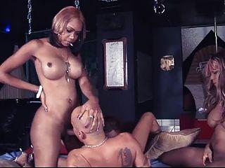 3 काले देवी गैंगबैंग एक भाग्यशाली आदमी