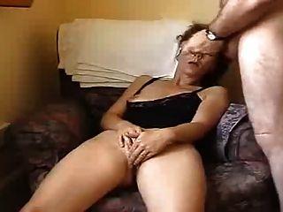पति और पत्नी के सामने वाला कैमरा में हस्तमैथुन