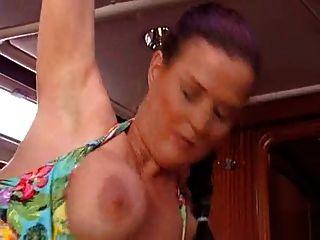 एमआईएलए एमआईटी Dicken Titten wird gefickt