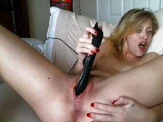 गोरा किशोरों और गीले मलाईदार संभोग
