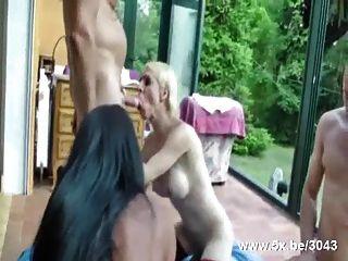 उभयलिंगियों और मोज़ा में कमबख्त किन्नर