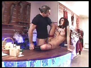 फ्रेंच अभिनेता - नीना रॉबर्ट्स
