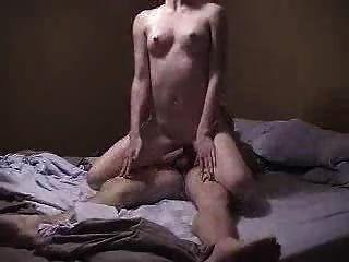 लाल सिर सेक्स प्यार करता है