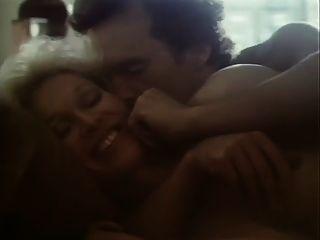 के बीच प्रेमियों (1983) 2 के भाग 2
