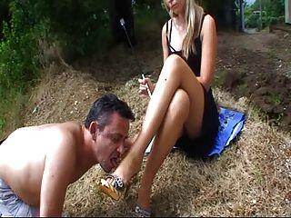 सेक्सी गोरा मालकिन