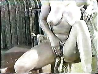 बड़े boobed महिला हिंदी डब