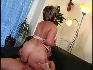 सेक्सी माँ N93 उसके कोच के साथ परिपक्व