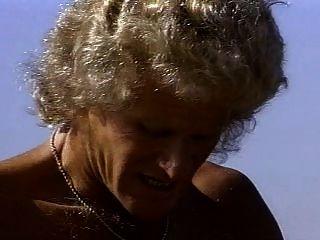Ashlyn गेयर और रैंडी पश्चिमी रेगिस्तान में कमबख्त