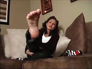 मोजे और तलवों फुट छेड़ो