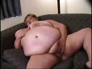 बीबीडब्ल्यू सुनहरे बालों वाली लड़की उंगलियों उसे योनी
