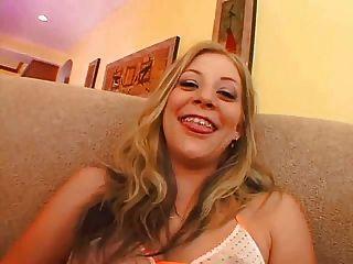 लिआ और एलीसन - गुदा वेश्या अगले दरवाजे - M27