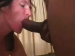 सफेद महिलाओं fucks 4 अश्वेतों