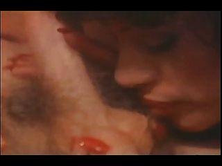 वैनेसा पूर्ण विंटेज पोर्न फिल्म की कामुक दुनिया