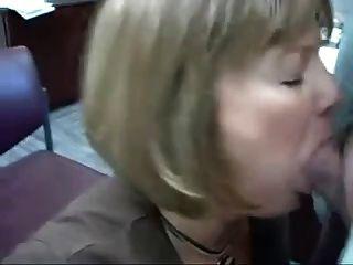 रूसी शौकिया फूहड़ कार्यालय blowjob