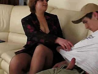 pantuhose.by pornapocalypse में मोटा श्यामला माँ