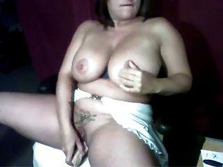 Webcam - बड़े स्तन के साथ मोटी एमआईएलए खुद dildos