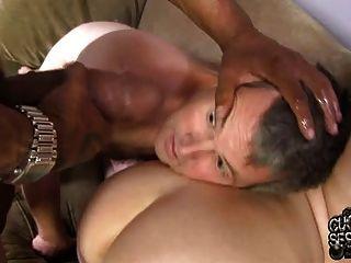 सफेद पत्नी गड़बड़ और व्यभिचारी पति के सामने बीबीसी द्वारा creampied