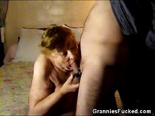 मोटा दादी चूसने मुर्गा