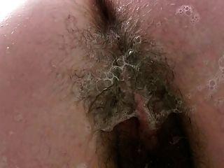 टब साबुन अप उसे मोटी ओंठों बालों वाले योनी में चूब