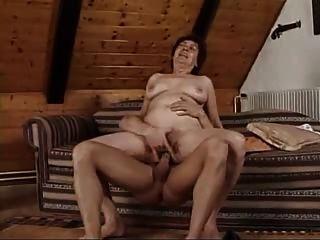 युवा यार बड़ी औरत करता है