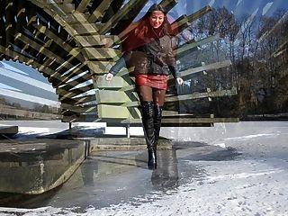 पूरी तरह से चमड़े: ऊँची एड़ी के जूते में बर्फ पर चलने