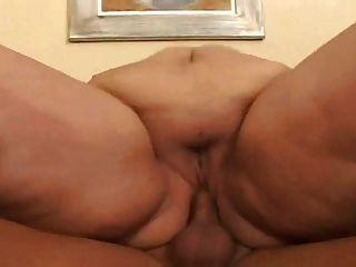 मोटी बीबीडब्ल्यू एमआईएलए 2