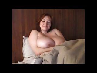 बीबीडब्ल्यू विशाल स्तन के साथ milf रेड इंडियन