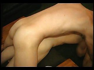 लेस्बियन तिकड़ी।