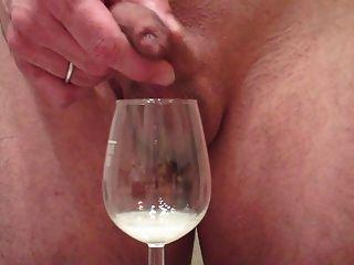 मुझे शराब गिलास में चमड़ी के माध्यम से बड़ा भार, सह मरोड़ते