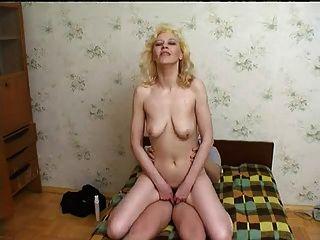 एक गर्म परिपक्व महिला के साथ सेक्स