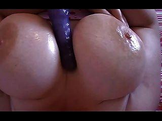 बीबीडब्ल्यू - titty खेलते हैं और हस्तमैथुन