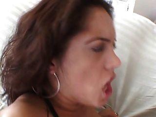 बड़े स्तन लड़की उसे गधा बढ़ा हो जाता है