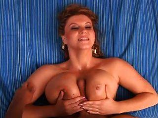 बड़ी प्राकृतिक स्तन 2