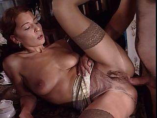 इतनी सेक्सी गुदा महिला
