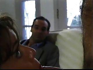 ब्रिटिश एमआईएलए Nici स्टर्लिंग त्रिगुट whilst पति घड़ियों