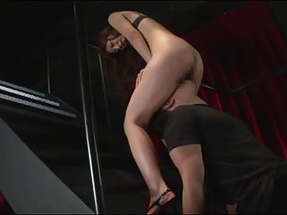 जापानी लड़की उसे पहली facesit अनुभव है (सेंसर)