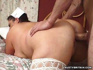 बड़े स्तन नर्स राहत देता है