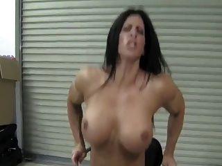 बड़ा clit dildo खेलने हस्तमैथुन, एच.डी. पेशी महिला