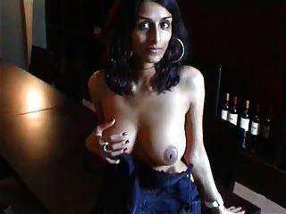 सेक्सी भारतीय ब्रिट पत्नी