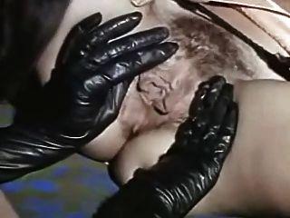 सेक्सी काले जूते और रसदार pussies चाट पुराने समलैंगिकों