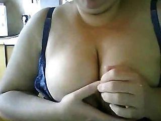 मेरे स्तन दुहना