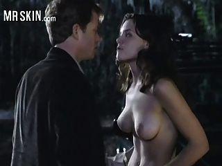 केटी होम्स दबा लिया और उसके कपड़े से दूर rips हो जाता है!